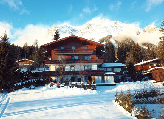 Dachsteinhof im Winter