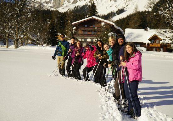 Schneeschuh Wanderung vor dem Dachsteinhof